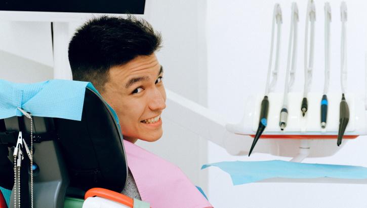 Гигиена полости рта при ношении зубных протезов