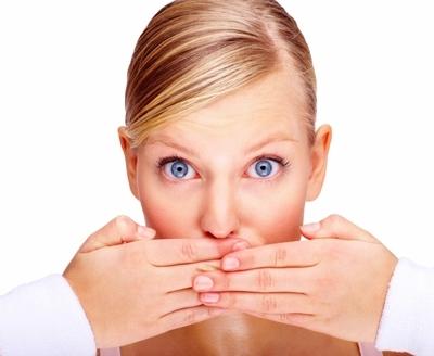 Неприятный запах изо рта: устранять не нужно?