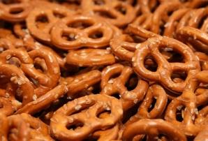 Соленая пища повышает давление