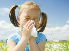 Как спасти ребенка от аллергического насморка
