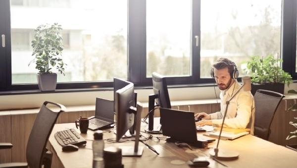 Музыка поможет в рабочем процессе