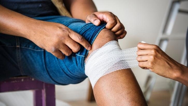 Остеоартроз колена: физиотерапия против боли