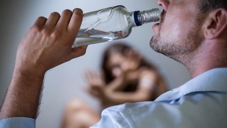 5 признаков бытового алкоголизма