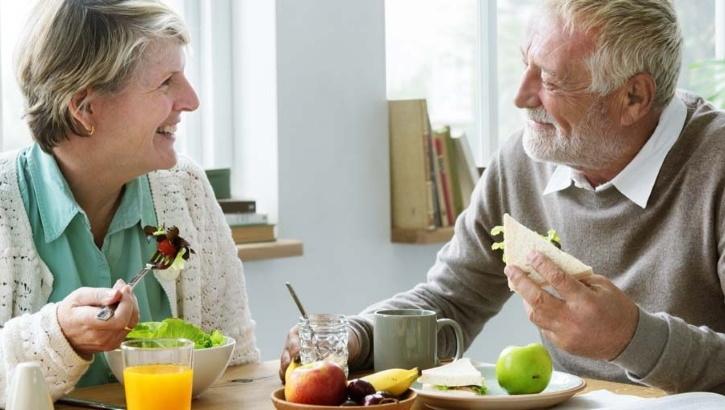 Здоровое питание способствует сохранности слуха в старости