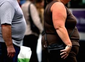 Европейцы переходят на одежду гигантских  размеров