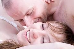Почему женщины имитируют оргазм?