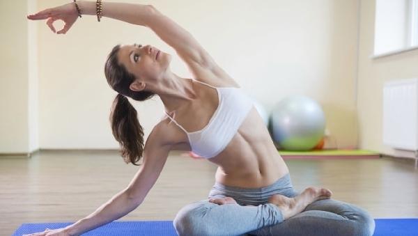 Комплекс упражнений силовой йоги для похудения.
