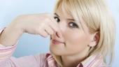 Выделения у женщин с запахом